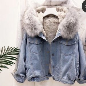 Denim faux fur jacket host pic first time 🎉